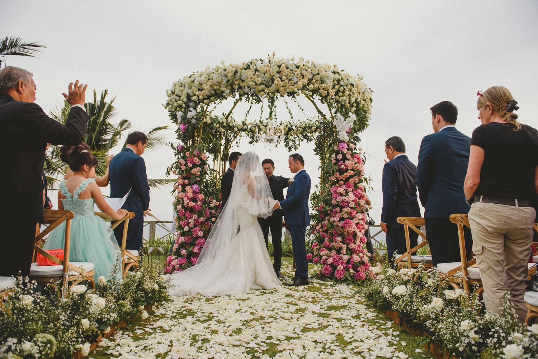 wedding-helise-risky-weddinginbali-khayanganestate-diktatphotography-baliweddingdestination-baliphotographer-82