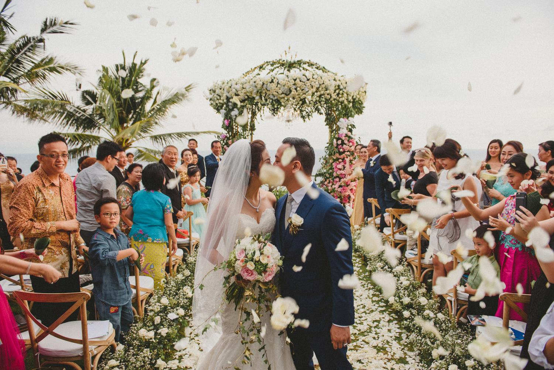 wedding-helise-risky-weddinginbali-khayanganestate-diktatphotography-baliweddingdestination-baliphotographer-90