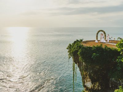 Bali Cliff Wedding // Mckayleigh & Brady Wedding by Kadek