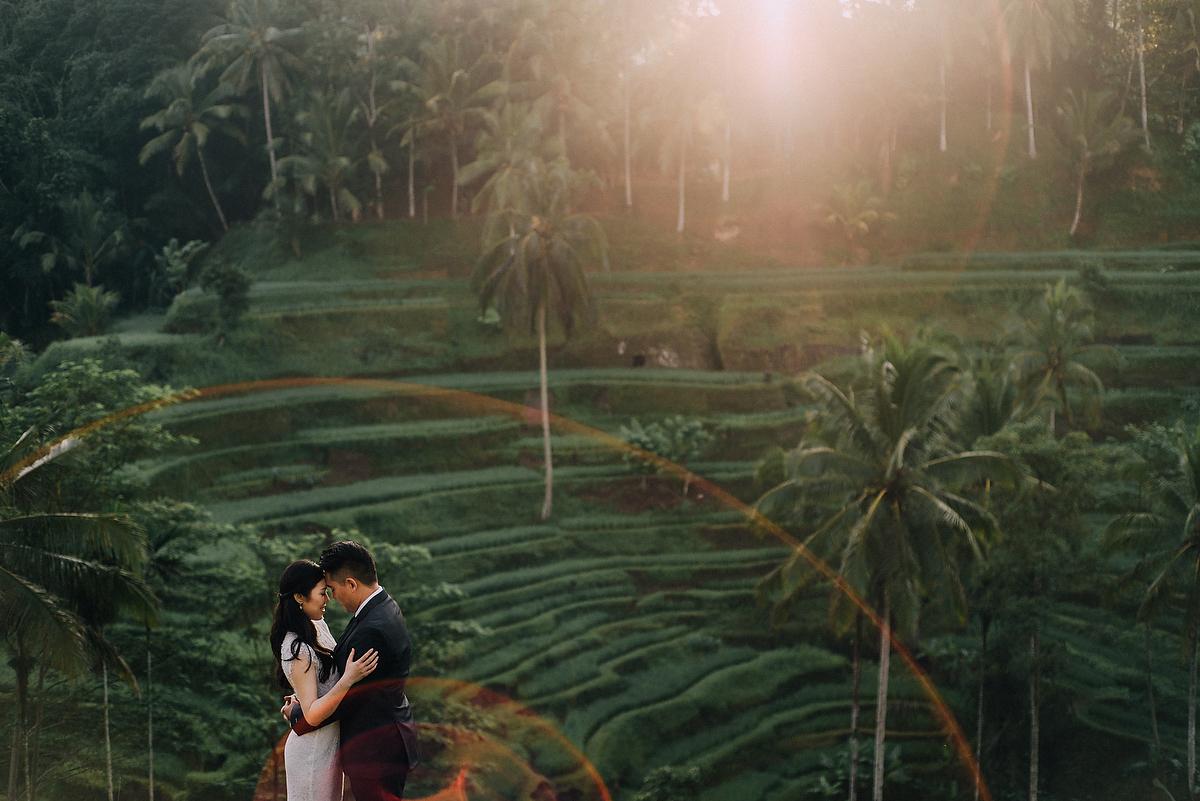 prewedding-engagement-diktatphotograpgy-preweddinginbali-tegalalang-ubud-tegenungun-airterjun-jimbaran-11