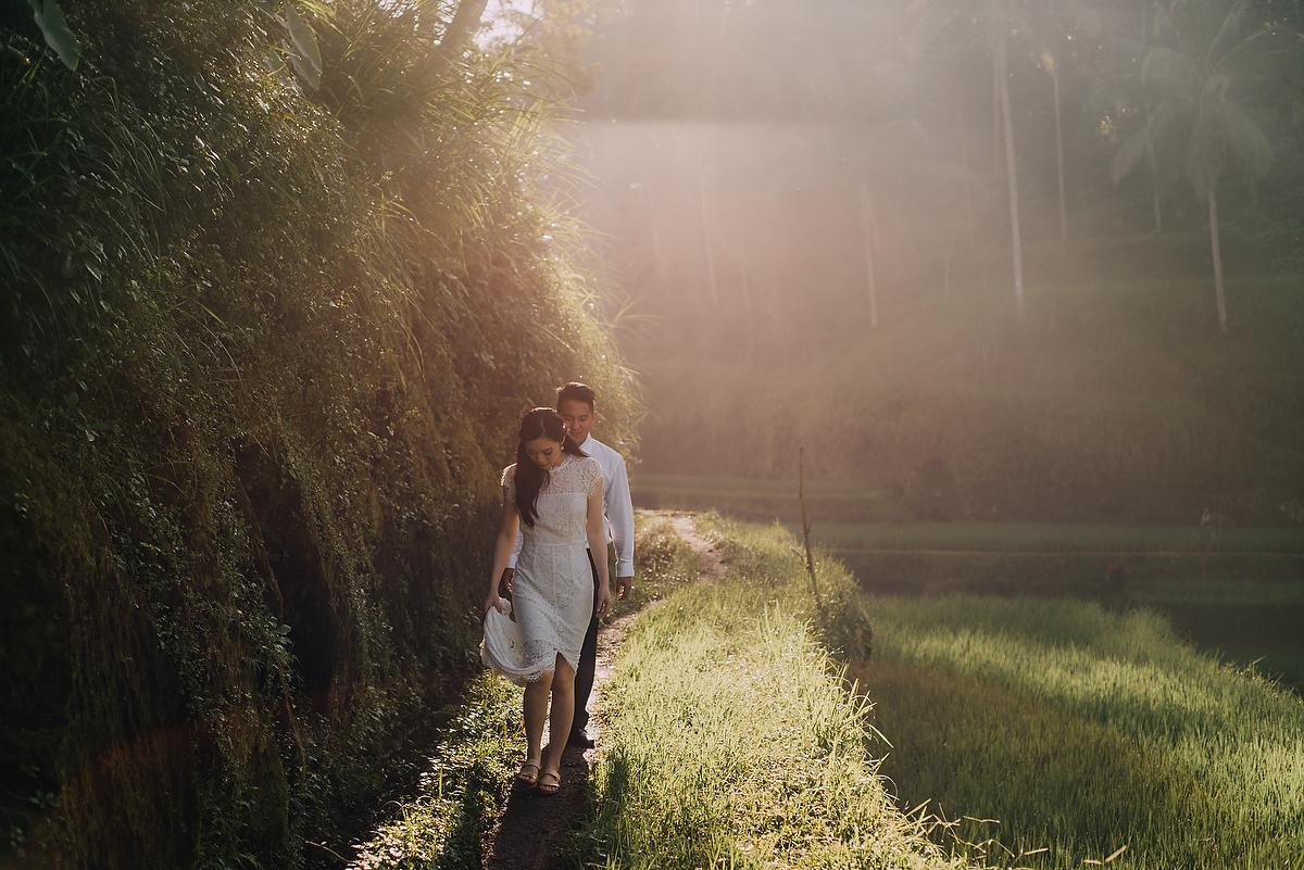 prewedding-engagement-diktatphotograpgy-preweddinginbali-tegalalang-ubud-tegenungun-airterjun-jimbaran-23