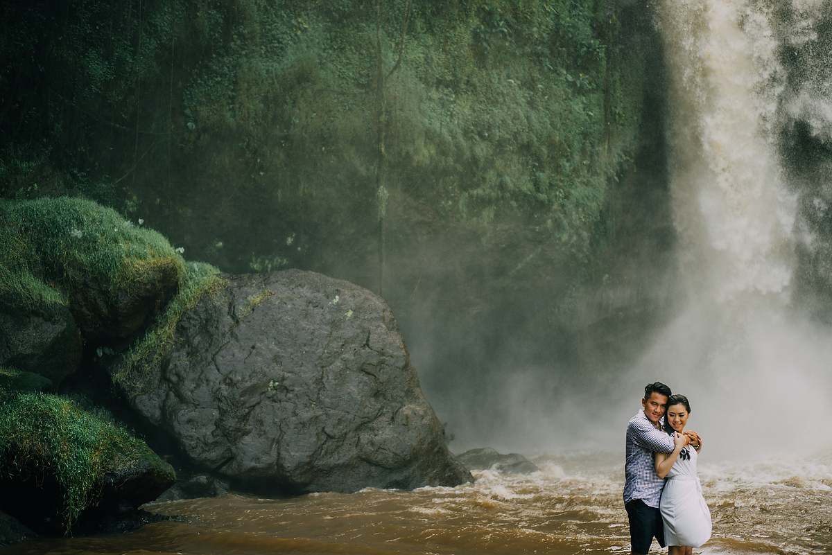 prewedding-engagement-diktatphotograpgy-preweddinginbali-tegalalang-ubud-tegenungun-airterjun-jimbaran-35