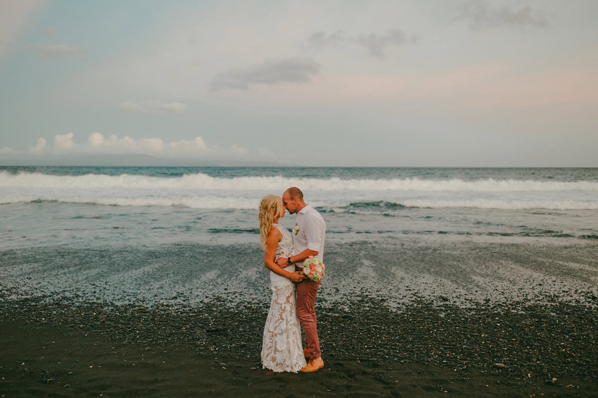 bali wedding destination-wedding in bali - bali photographer - komune beach club - profesional bali wedding photographer - diktatphotography - Jess & Craig - 85