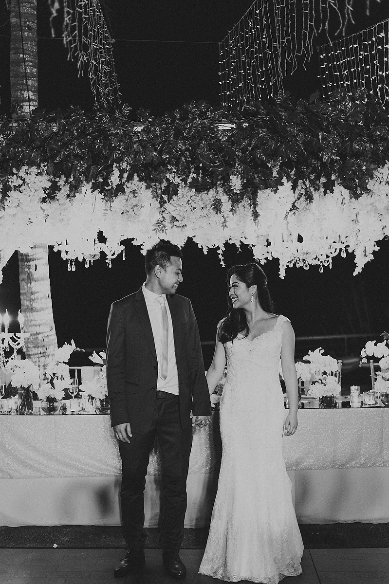 wedding-aprilia-chris-theedge-uluwatu-diktatphotography-weddinginbali-weddingdestination-127