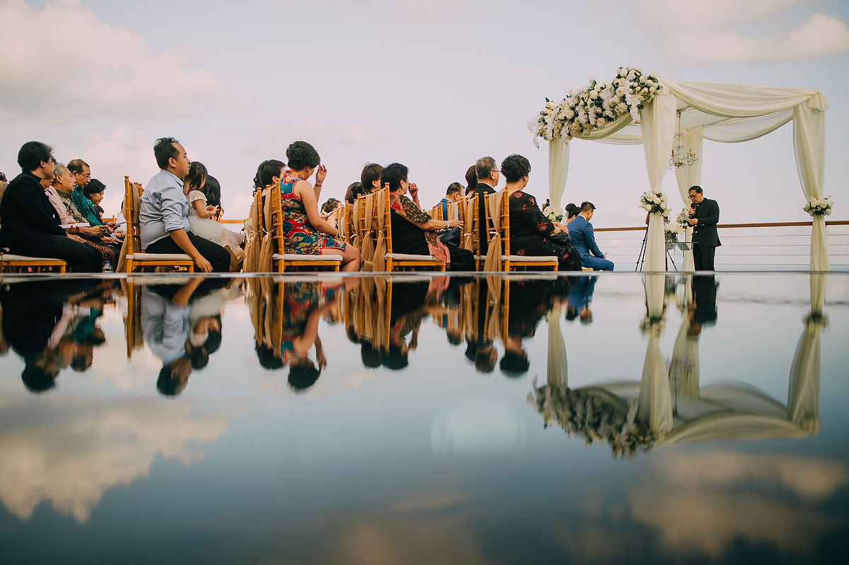 wedding-aprilia-chris-theedge-uluwatu-diktatphotography-weddinginbali-weddingdestination-54