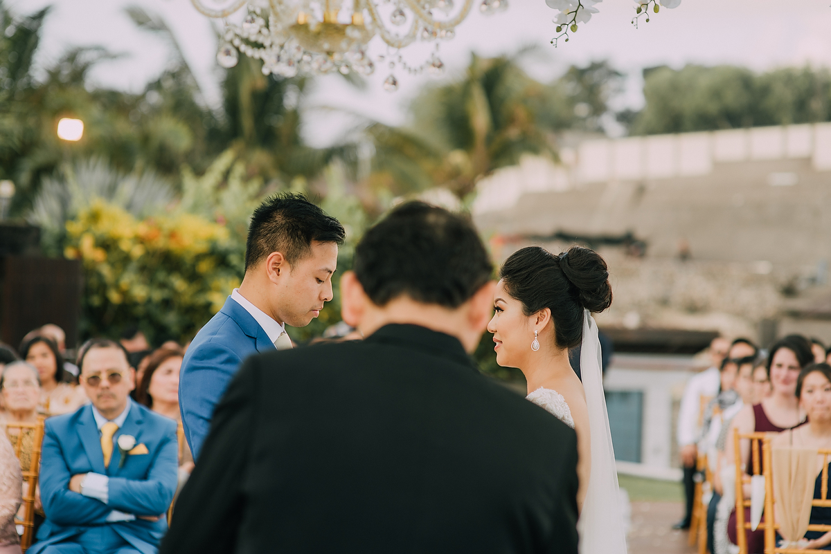 wedding-aprilia-chris-theedge-uluwatu-diktatphotography-weddinginbali-weddingdestination-60