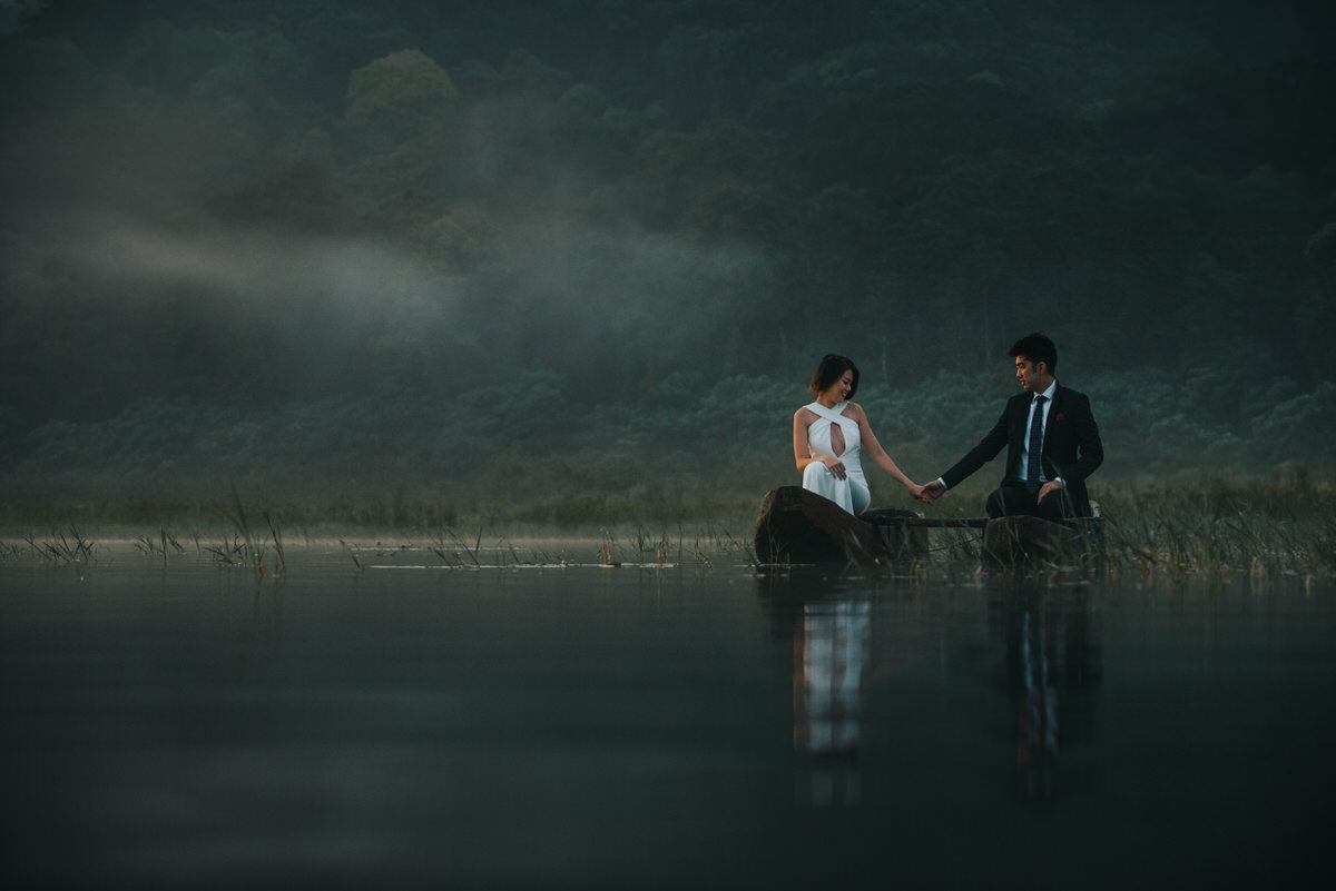 bali engagement destination-prewedding in bali - bali photographer - lake tamblingan - mount batur - profesional bali wedding photographer - diktatphotography - H&Z prewedding - 20