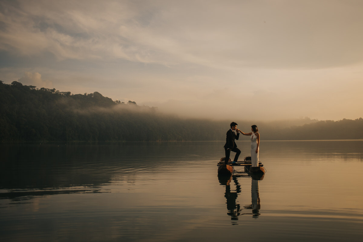 bali engagement destination-prewedding in bali - bali photographer - lake tamblingan - mount batur - profesional bali wedding photographer - diktatphotography - H&Z prewedding - 27