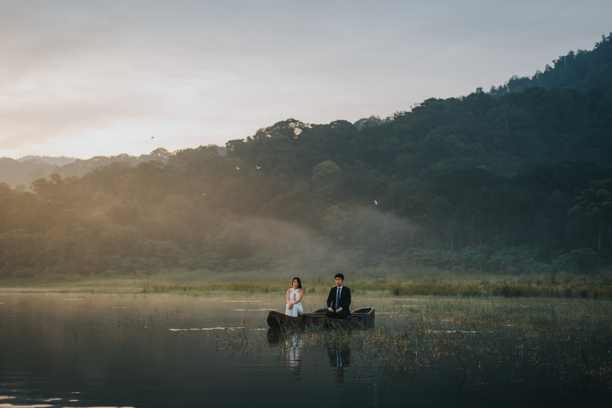 bali engagement destination-prewedding in bali - bali photographer - lake tamblingan - mount batur - profesional bali wedding photographer - diktatphotography - H&Z prewedding - 48