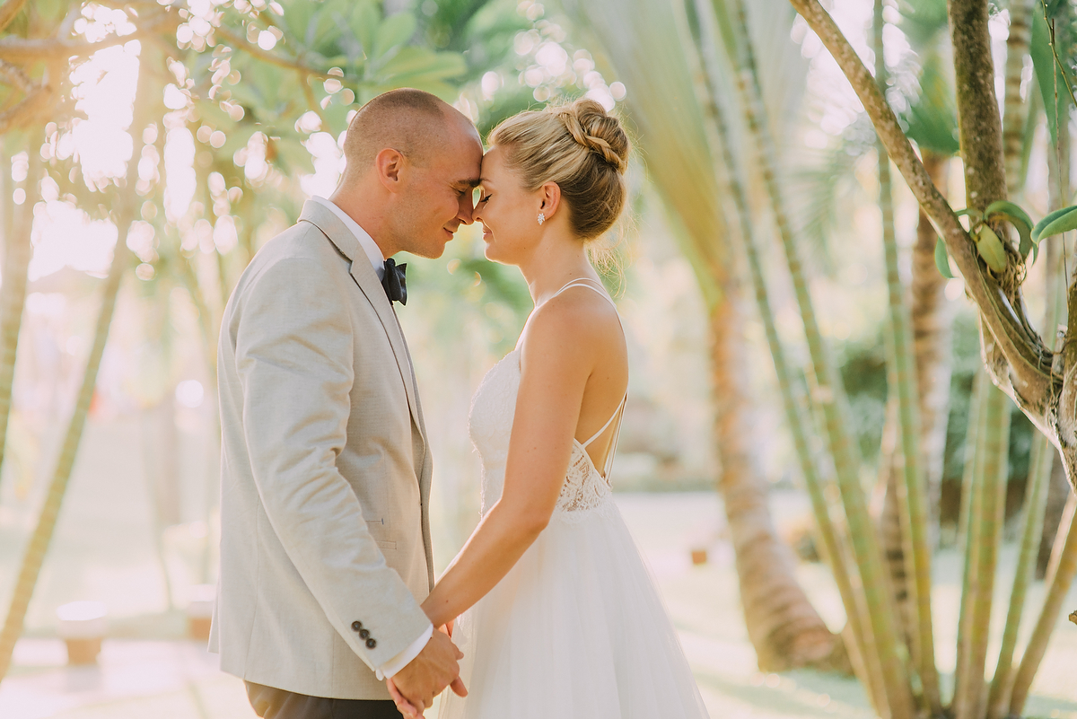 diktatphotography-weddinginsemarabeachhouse-canggu-bali-baliweddingdestination-weddinginbali-baliweddingphotographer-76