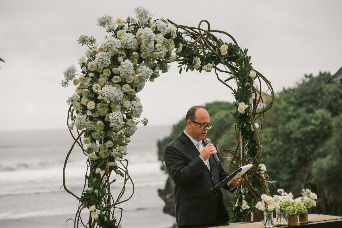 weddinginbali-baliweddingphotographer-alilavillassoori-diktatphotography-baliweddingdestination-36