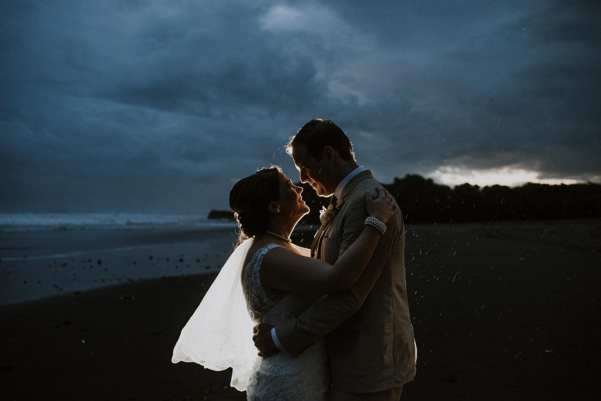 weddinginbali-baliweddingphotographer-alilavillassoori-diktatphotography-baliweddingdestination-72